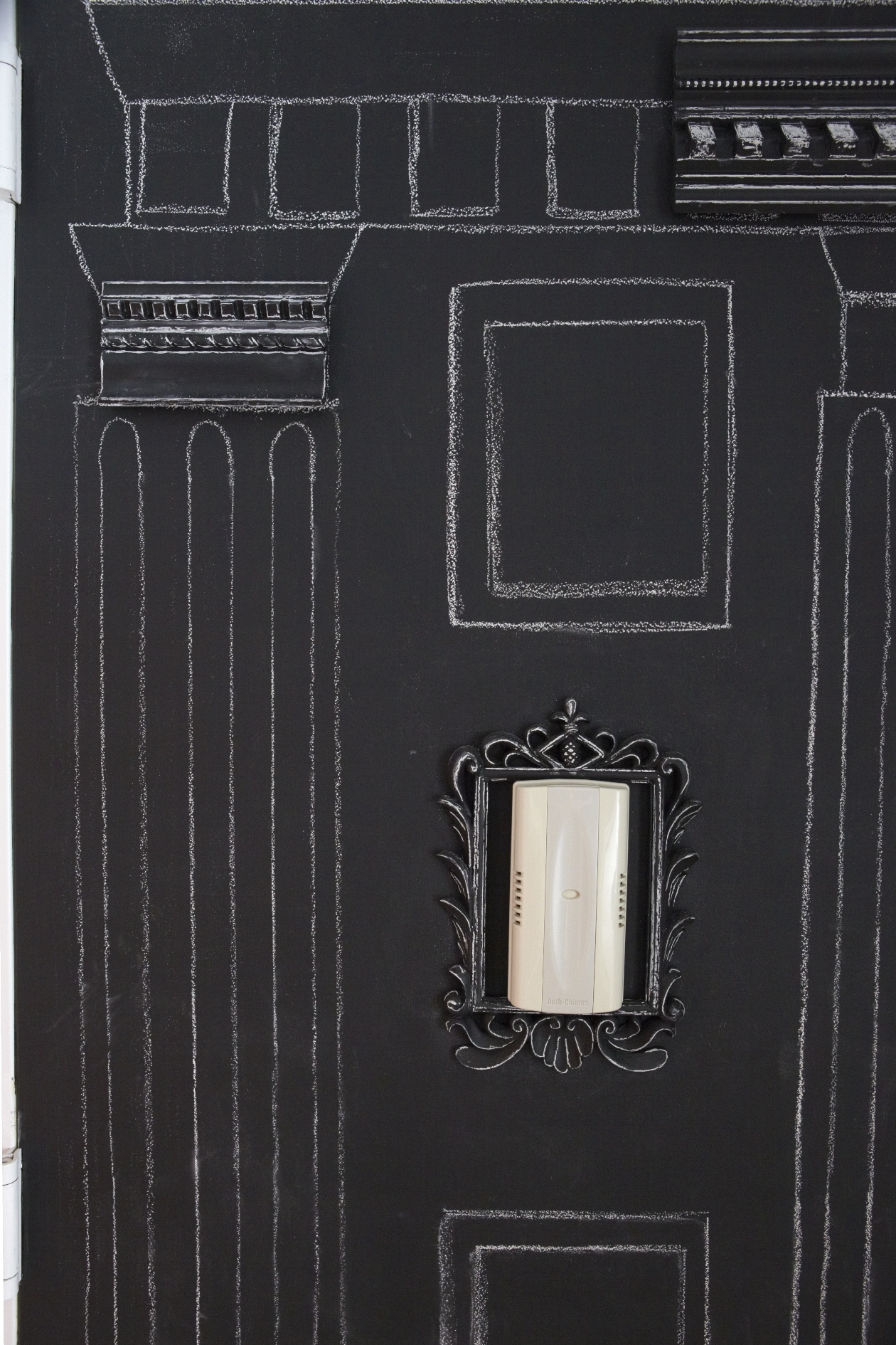 7_chalkboard paint door_detail