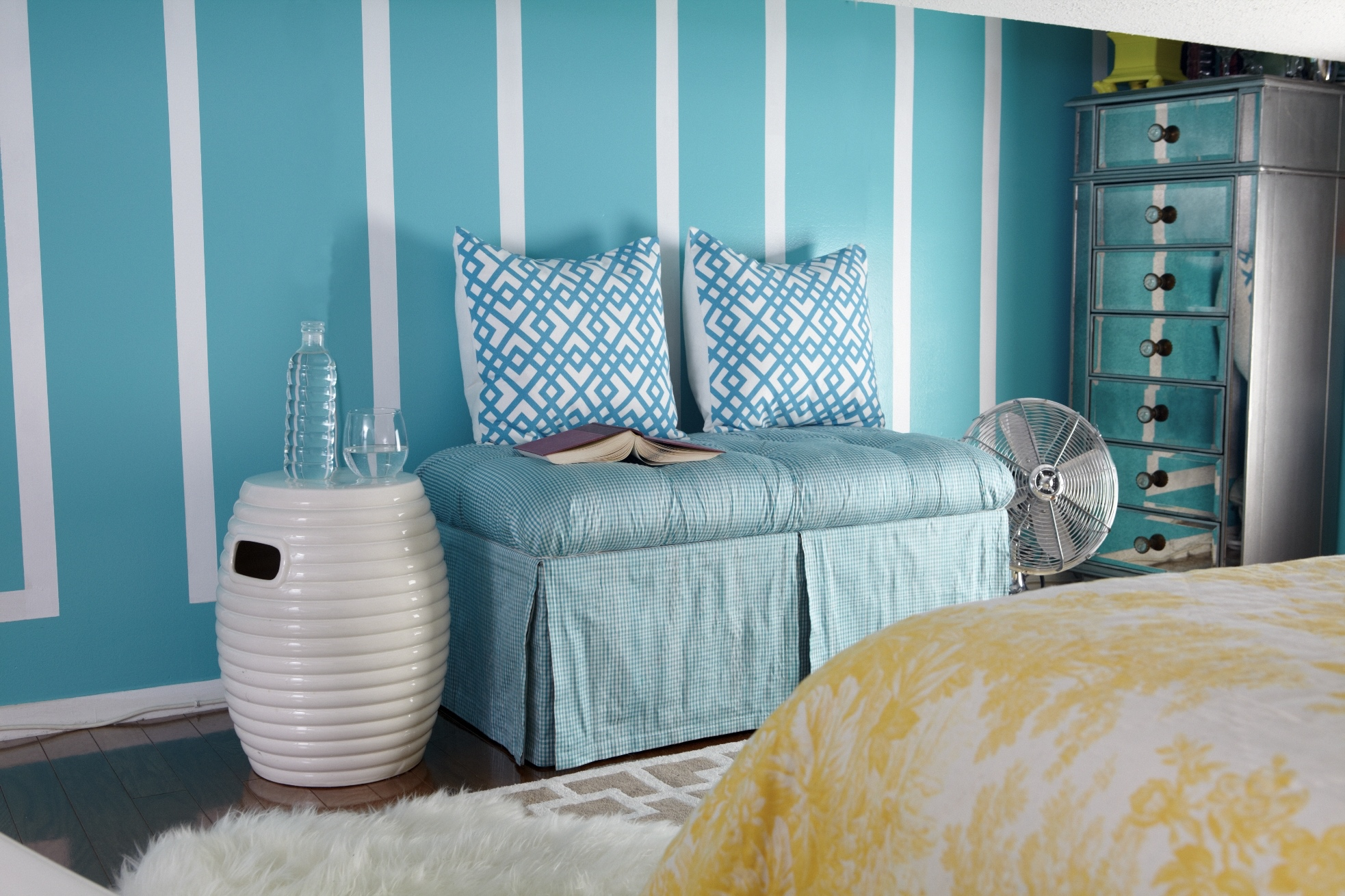 Turqouise Reading Nook - Color of the Year and the Century: Turquoise