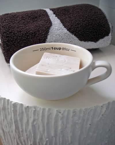 details Photo 1 Medium Close up Faux Bois Soap in a Dish - Details, Details!