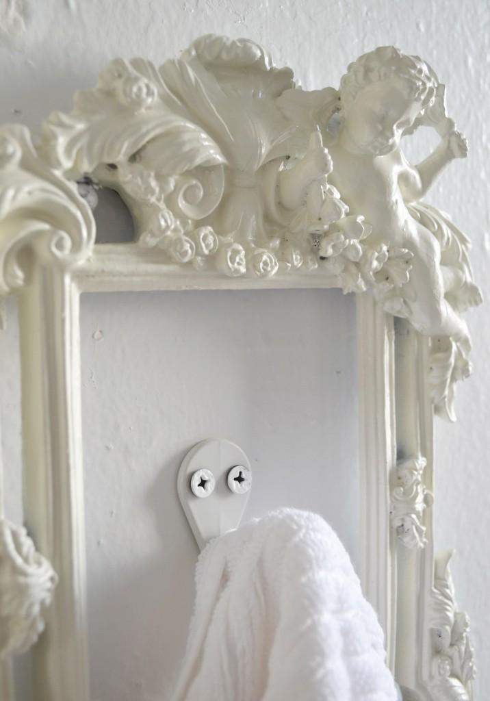 Towel Frame Close Up