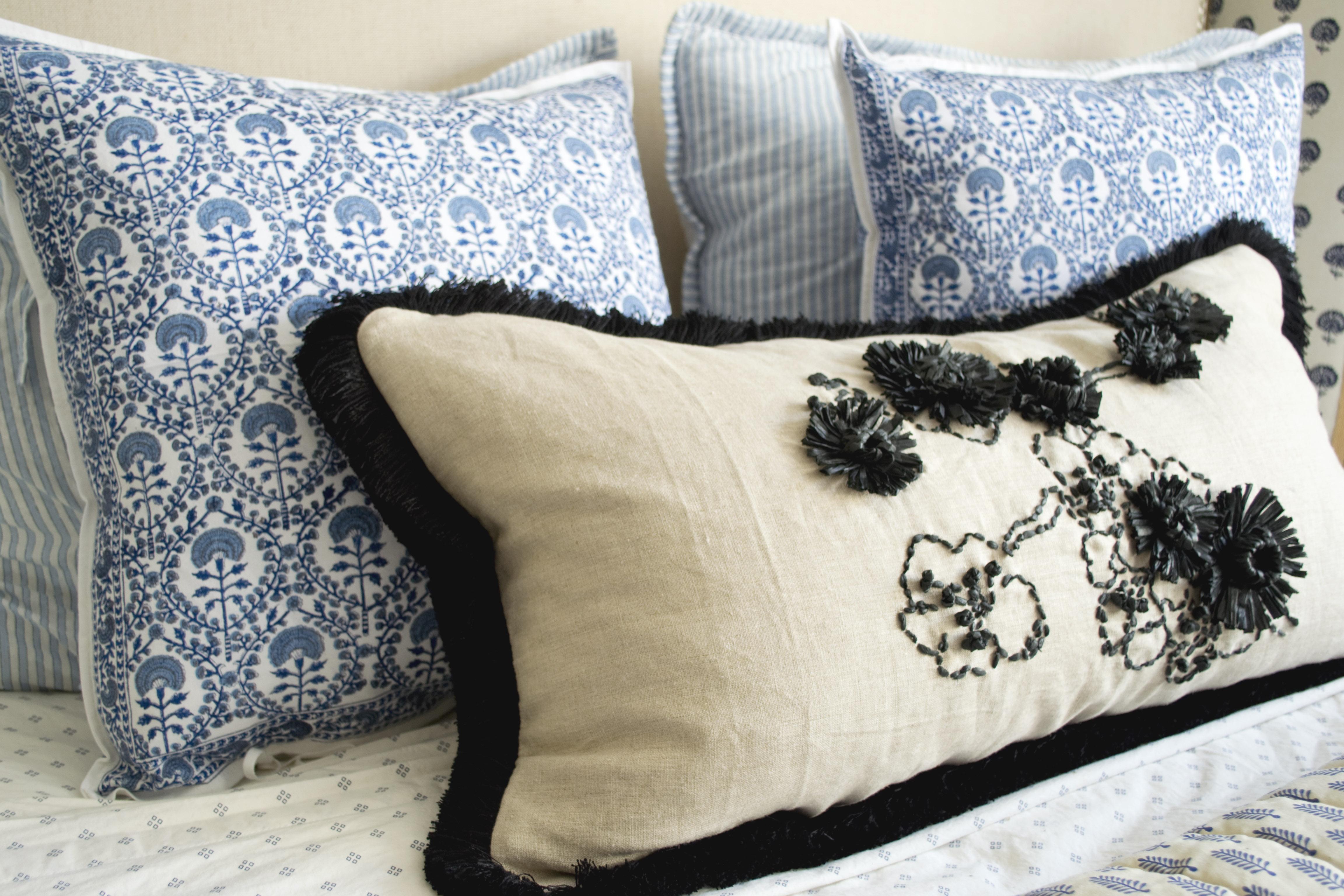 Raffia Pillow CU 2
